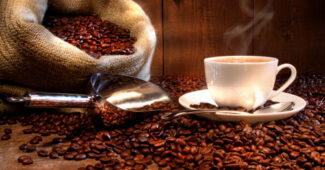 FreeGreatPicture.com 16842 coffee and coffee beans close up